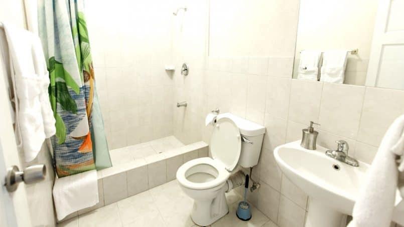 bathroom Apt 4 Barbados